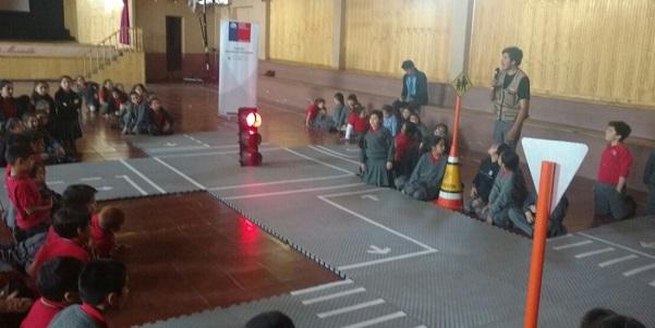 Escolares de Requinoa participan en charla de educación vial